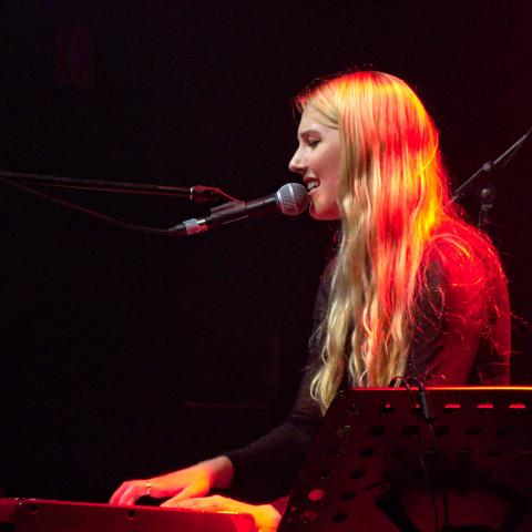 Georgia Mae playing live at the Met, Brisbane - 04/02/2016