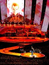 From all corners of Queensland (and a few from NSW and further I'll bet), around 50,000 women came to worship at the temple of Robbie on Friday Dec 14 2006 at Suncorp Stadium in Brisbane. Many were chaperoned by their nervous partners, myself included :-)